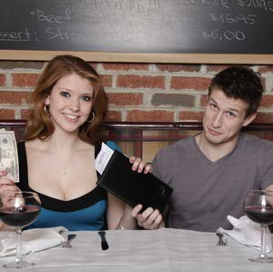 Who Picks Up the Check? A Guide to Paying for Dates
